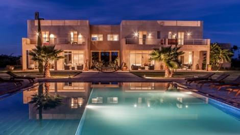 Villa 04 – 7 chambres – 14 personnes – à partir de 53 par pers.