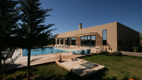 Villa contemporaine dans le calme de la campagne