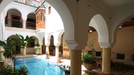 Magnifique Riad – Maison d'hôte, vaste piscine chauffée et SPA