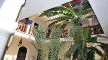 Riad – Guest house, bar and restaurant in operation, center medina