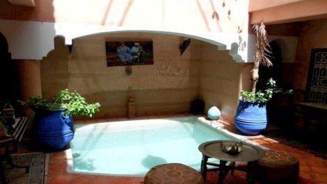 Prix d'accès intéressant pour ce Riad 5 chambres bien placé, toutes autorisations