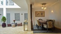 Riad – guest house, clean and bright, pool, jacuzzi, hammam, very good situation