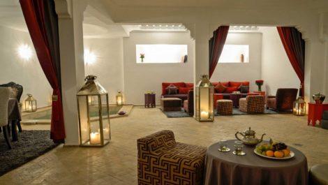 Riad – Maison d'hôtes épurée et lumineuse, bassin, jacuzzi, hammam, très bonne situation