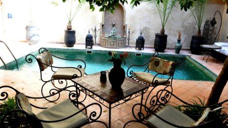Riad maison d'hôtes, huit chambres, très grande piscine