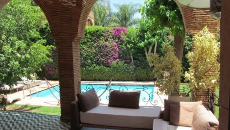 Spacious unfurnished villa for rent
