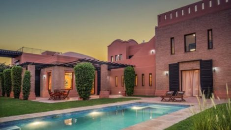 Magnificent architect-designed villa on a magnificent golf course