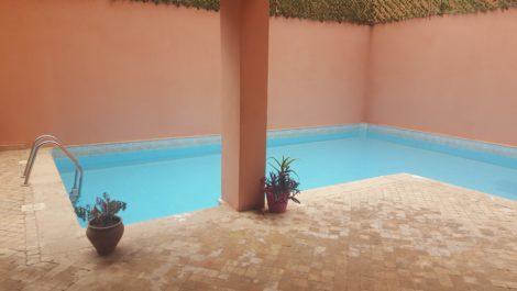 Appartement meublé de bon standing à la vente dans résidence avec piscine