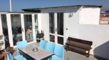 Essaouira: Magnificent top floor apartment with double panoramic terrace