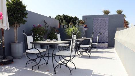 Marrakech : Riad classé maison d'hôtes très bien tenu, piscine