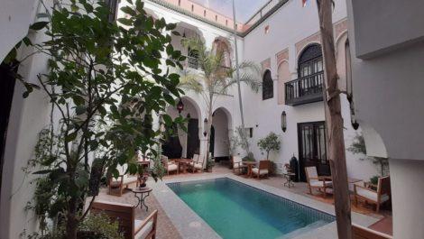 Location : Riad et spa, huit (ou neuf chambres), 300 m² au sol