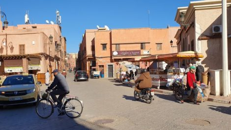 Building land in the medina of Marrakech, parking in front of the door
