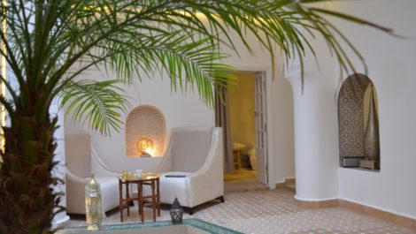 Marrakech : Opportunity in a bright Riad with five bedrooms, pool, hammam !
