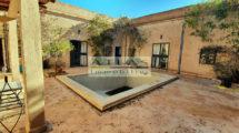 Lac de Lalla Takerkoust, Riad avec piscine et vaste patio au cœur du village, vue Atlas