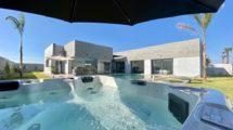 Villa neuve avec option jacuzzi extérieur, hammam et piscine chauffée