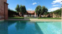 Très recherché à Marrakech : Villa signée Charles Boccara dans un domaine prisé