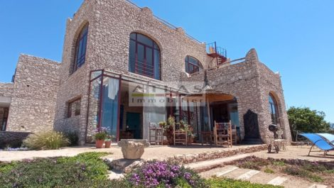 Essaouira : Magnificent villa in local stone